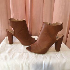 Bumper chunky heeled sandal.